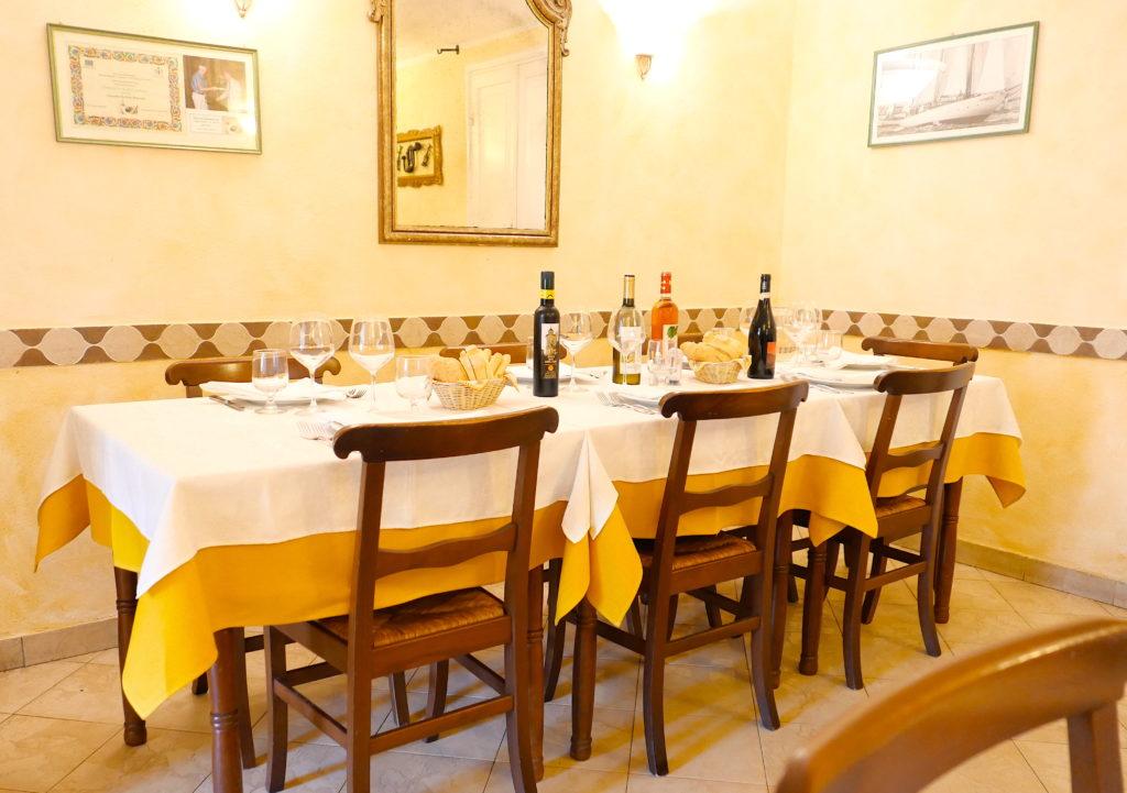 Un particolare dell'interno dell'Osteria Enoteca Baccicin du Caru