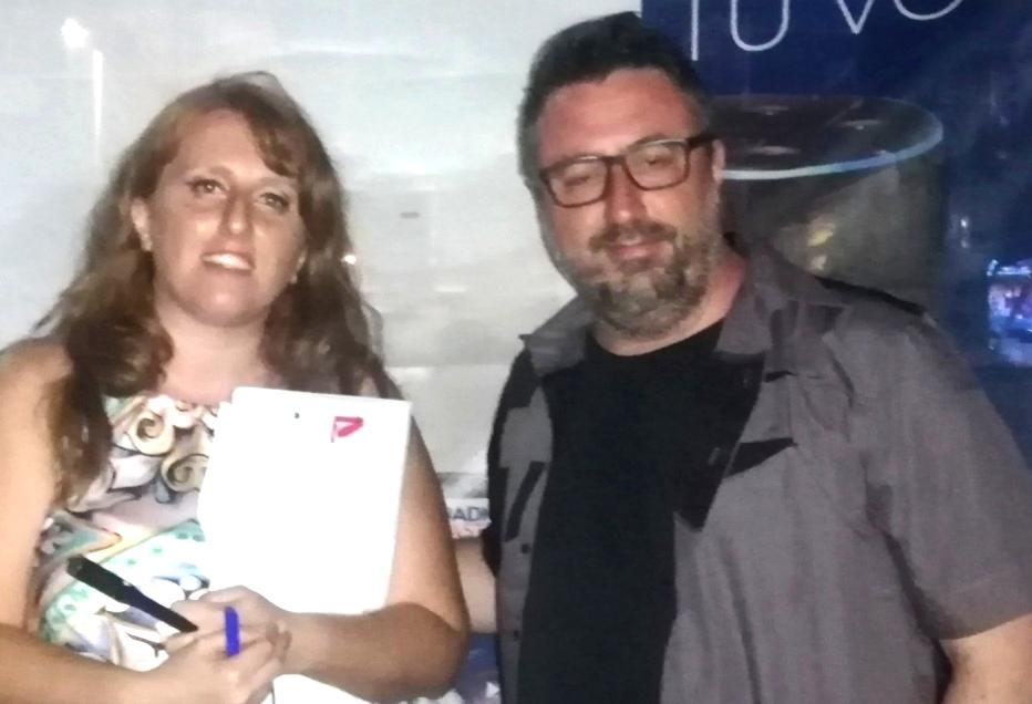 L'autrice del servizio, Raffaella Grimaldi, con Max Poli di Radio Kiss Kiss